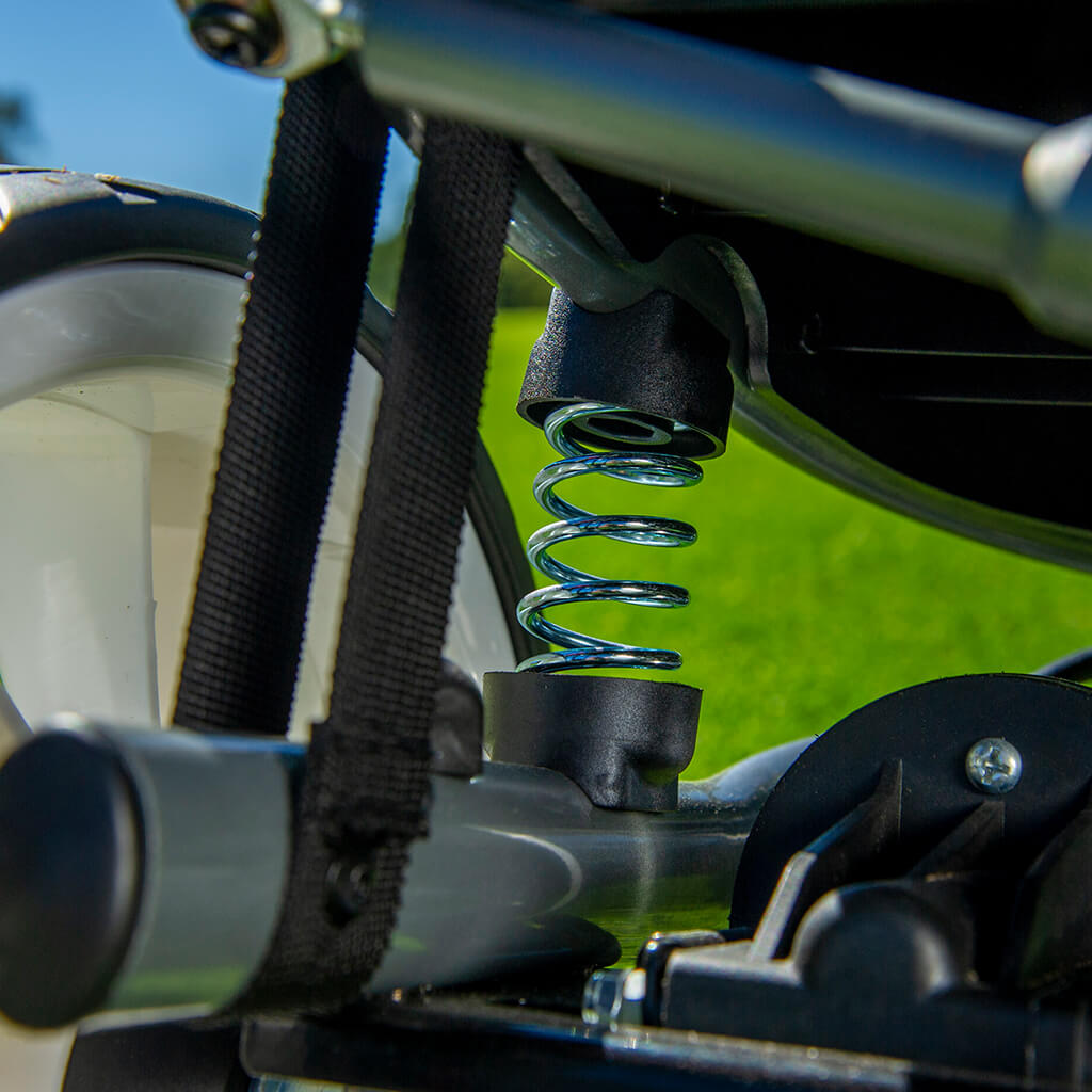 Kingcaddy's Platinum Pro offers 3 wheel fully independent suspension.